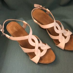 AEROSOLE-Cute White Wedge Sandals